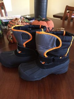Winter boots SZ 6 youth