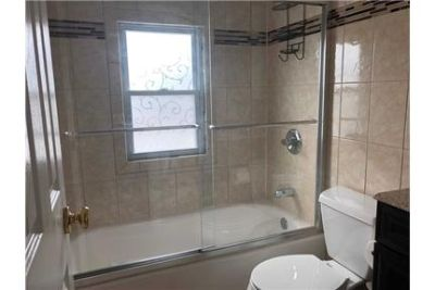 West Babylon - Newly Renovated 2 Bedroom Apartment withEat In Kitchen.