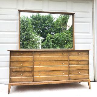 Mid-Century Modern Dresser by Heywood-Wakefield