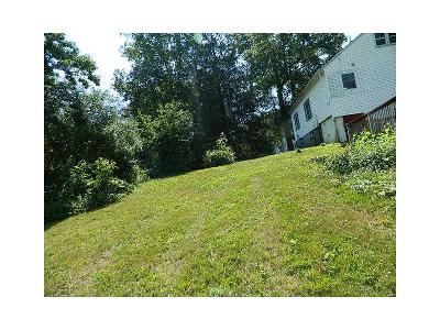 3 Bed 1 Bath Foreclosure Property in Wallingford, CT 06492 - Parker Farms Rd
