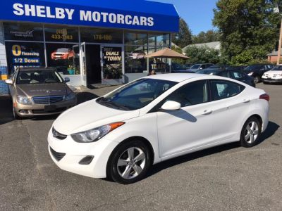 2011 Hyundai Elantra 4 sedan (White)