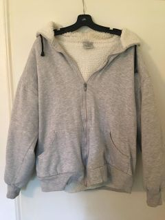 GENTLY WORN HESTERTOWN VERY WARM LINED SWEATSHIRT WITH HOOD SIZE XL