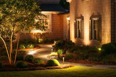 Landscape lighting specialist-Illuminated Gardens
