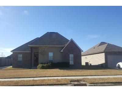 Preforeclosure Property in Livingston, LA 70754 - Lake Sabine Dr