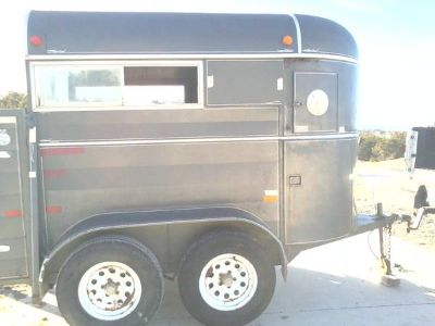 MUST SELL open to even or partial trade. 01 WW two horse trailer