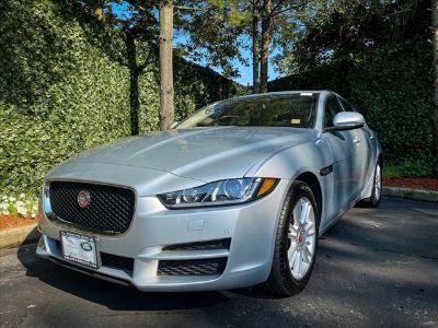 2018 Jaguar XE 25t Premium (Indus Silver)