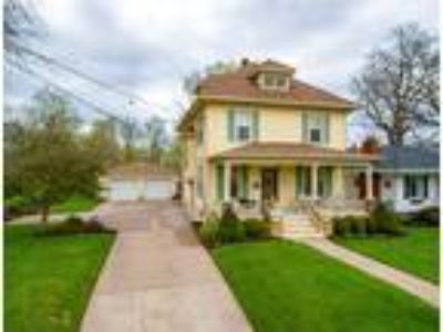 $284900 Four BR 3.00 BA, Muscatine