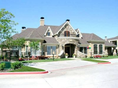 Lewisville 1/1$743 Fitness center,2 pools