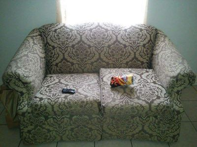 $100, Selling my couch and loveseat $100
