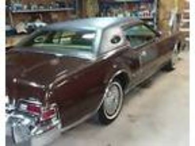 1975 Lincoln Continental mark iv 1975 Mark IV Stored indoors for 32 years!!
