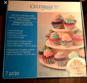 New cupcake (21) and cake pop (42) stand $24