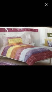 6 piece colorful bed set !