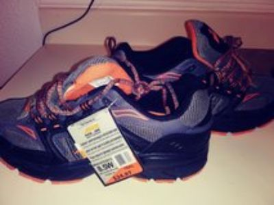 Avia black & orange shoes New