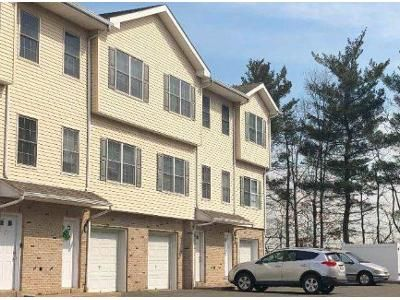 2 Bed 1.5 Bath Foreclosure Property in Lodi, NJ 07644 - Harrison Ave Apt 3