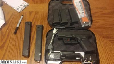 For Sale/Trade: Glock 19 g4 with accessories