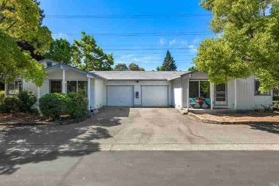 86 Woelfe Drive Santa Rosa, Prime duplex located in a