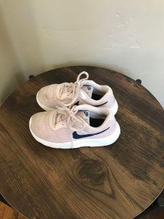 Nike free little girls sneakers size 11c.