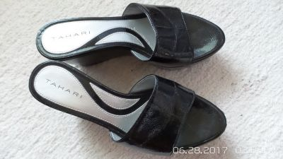 BLACK PATENT SUMMER WEDGE SANDALS SIZE 5-1/2 M BY TAHARI