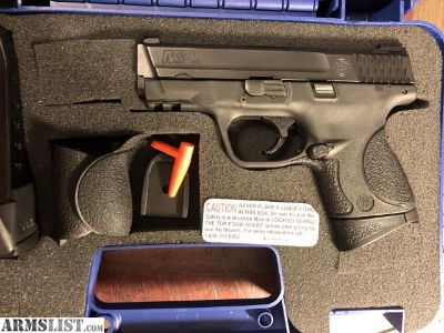 For Sale/Trade: S&W M&P 40c, ,40, N/S, 300 rds ammo
