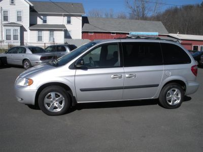 2005 Dodge Caravan SXT (Silver)