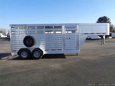 2014 Featherlite 8117 16 Stock horse trailer