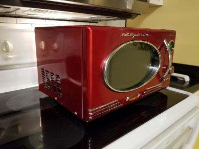 Microwave 1 year old - awesome design!