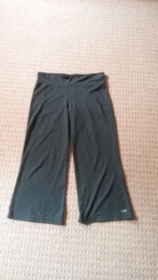 Capri length workout pants
