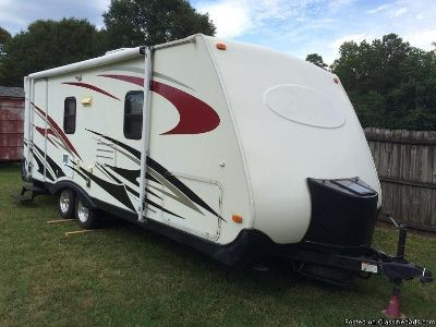 04 Keystone Zeppelin Travel Trailer