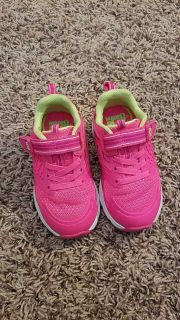Toddler Size 7 Wide - Stride Rite Bright Pink Sneakers