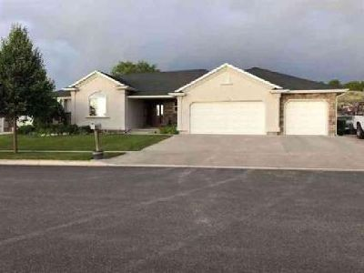 1472 Shadowpines Pocatello, Amazing Highland Home with a