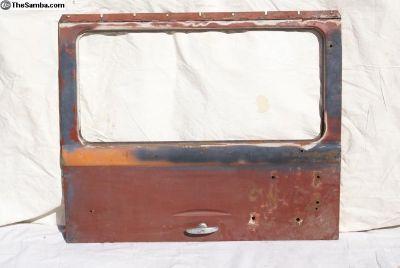 Deluxe rear hatch door