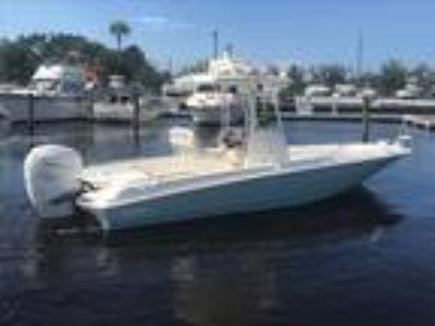 2019 Boston Whaler 240 Dauntless Pro