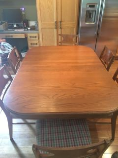 Vintage kitchen table and 6 chairs