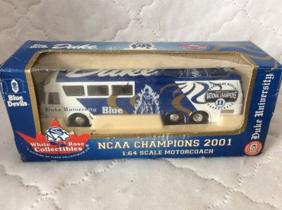 1:64 DieCast- 2001 NCAA Champs Bus