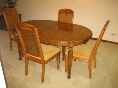 Vintage Dining Room Table and 4 Chairs - Nice