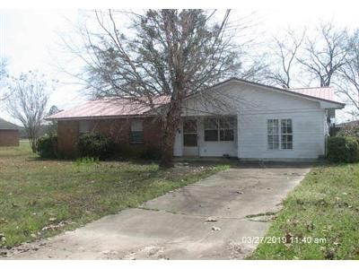 3 Bed 2 Bath Foreclosure Property in Greenwood, MS 38930 - N High St