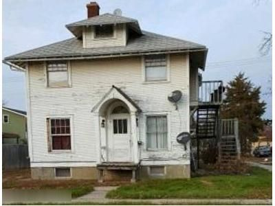 3 Bed 3 Bath Foreclosure Property in Aberdeen, SD 57401 - 7th Ave SW