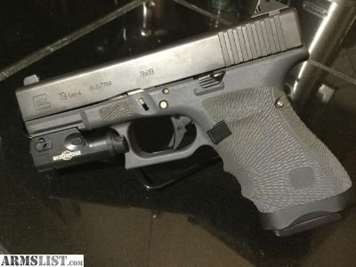 For Sale: Modified- Gen4 Glock 19 ( Factory Gray Frame)