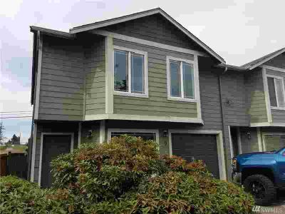 1203 110th St E #9 Tacoma, Move in ready townhouse.