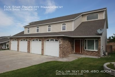 Rare Vacancy In This Spacious Twin Home. This home offers a huge kitchen with island, cozy entry foyer, and large living rooms. There is also a patio from the walkout basement to a great fenced backyard. You'll love this home's floor plan! Jetted tub has