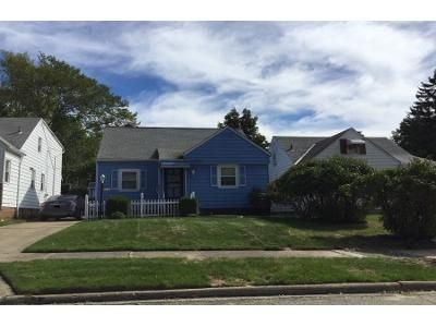 2 Bed 1.0 Bath Preforeclosure Property in Maple Heights, OH 44137 - Oakwood Ave