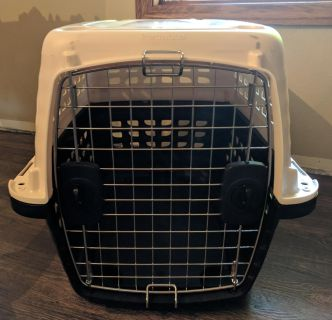 New petmate compass dog kennel fits 20-30#