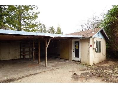 4 Bed 1 Bath Foreclosure Property in Coos Bay, OR 97420 - Olive Barber Rd