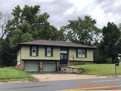 3 Bed 1.5 Bath Foreclosure Property in Kansas City, KS 66106 - Shawnee Dr