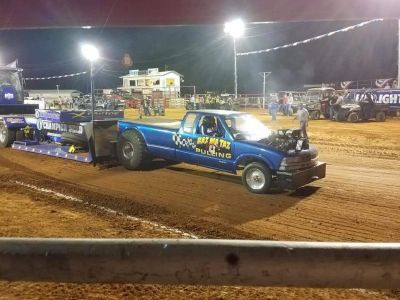 2 Wheel Drive blown Pull Truck