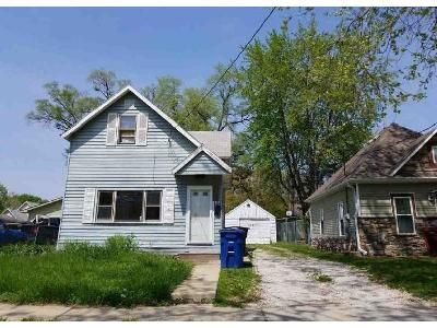 3 Bed 1 Bath Foreclosure Property in Des Moines, IA 50315 - E Dunham Ave