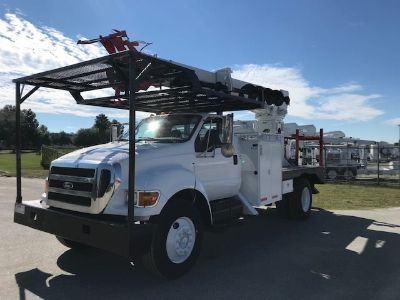 2010 Ford F750 Digger Derrick (White)