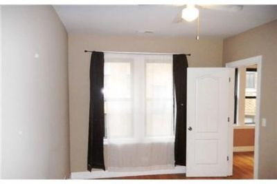 Bright Chicago, 2 bedroom, 1 bath for rent. Parking Available!