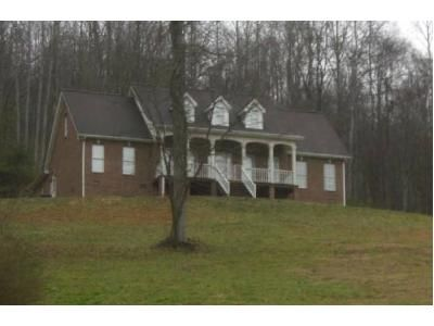 3 Bed 2.5 Bath Foreclosure Property in Gate City, VA 24251 - Sugar Pine Ln