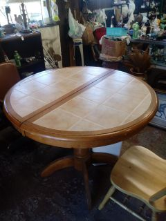 Bar height Round Table